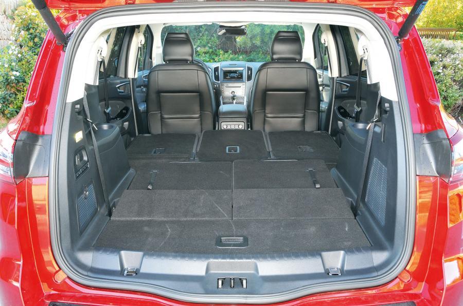 Ford S-max 2015 - багажник