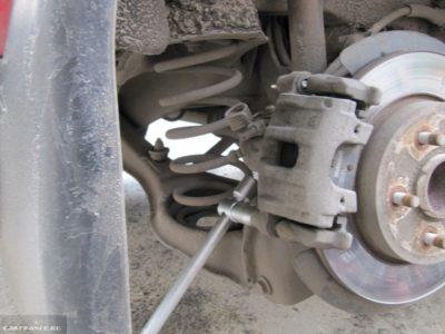 замена тормозных колодок форд фокус 2