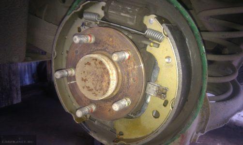 замена задних барабанных колодок форд фокус 2