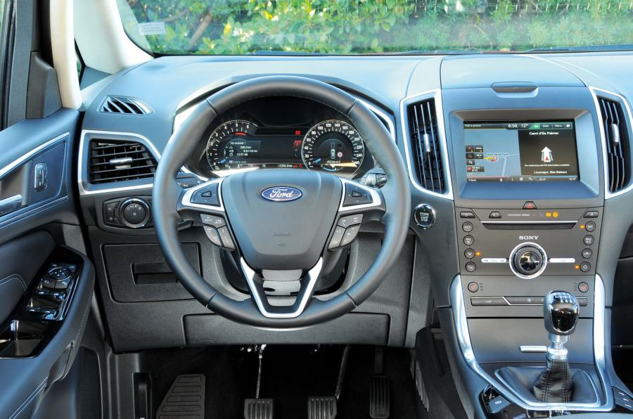 Ford S-max 2015 - торпеда